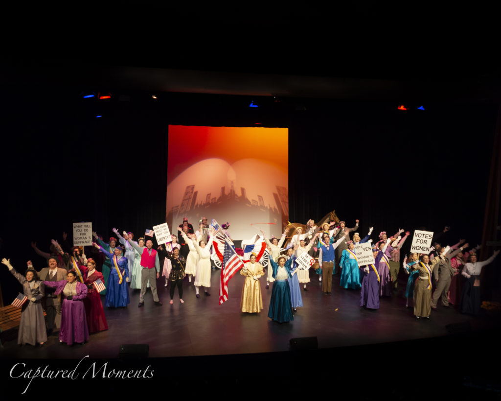 0009_20190529_Hello Dolly Foyer_MLM7729